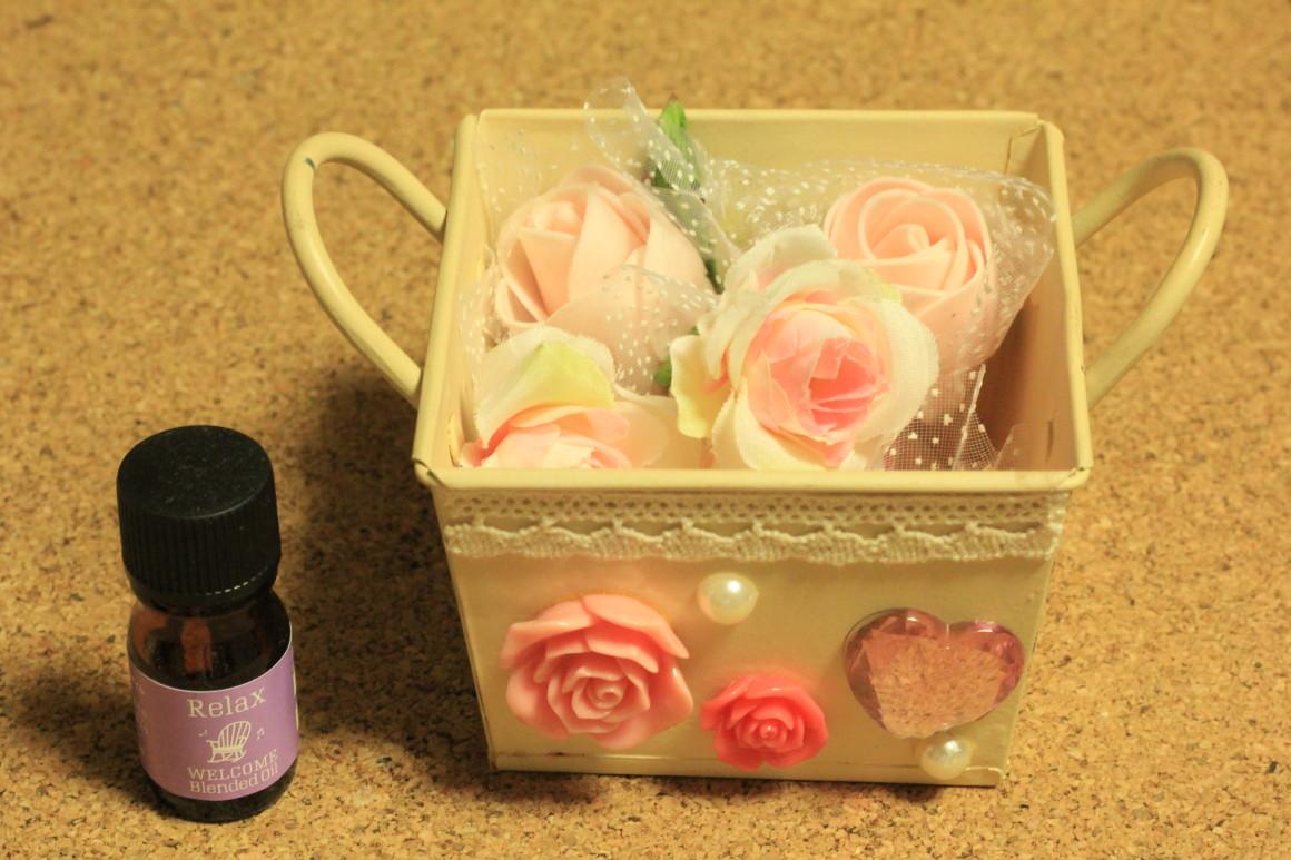 バラの造花のアロマ消臭剤