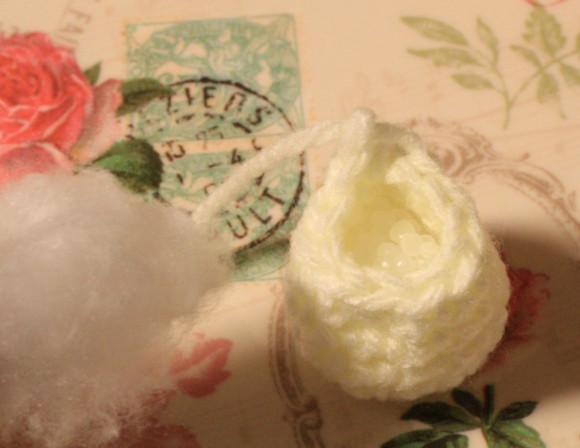 ペレットと手芸用綿を入れる