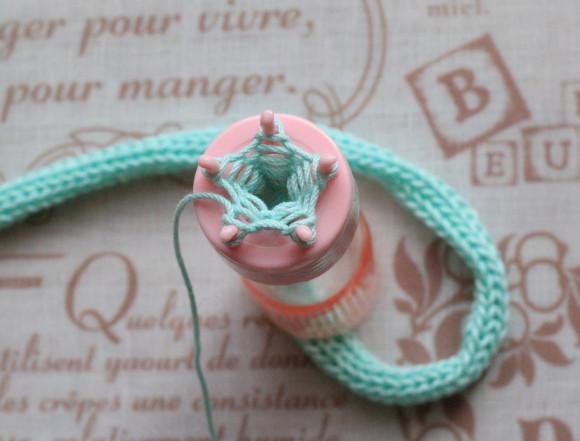 編み棒ですくい上げる