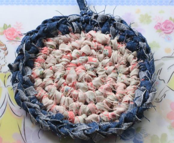 裂き布で鍋敷きの作り方