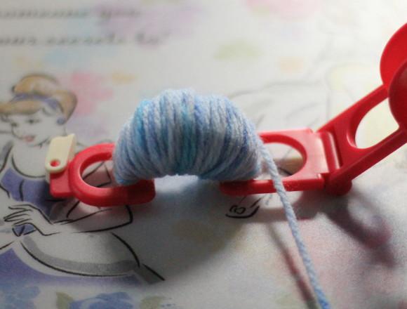 毛糸を水平になるまでぐるぐる巻いていく